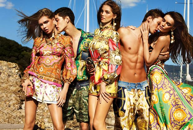 Un Dolce Gabbana 2012 très foulard en soie